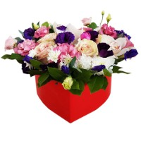 Коробка с цветами сердце