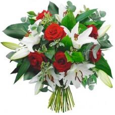 Лилия с красной розой